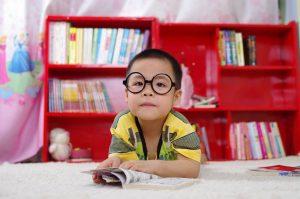 5-diferencias-entre-el-modelo-tradicional-y-las-escuelas-no-tradicionales-nino-madvisor