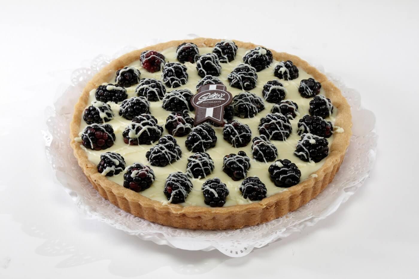 tarta-de-zarzamora-ginos-brownie-pasteles-fiestas-bautizos-baby-shower-dulces