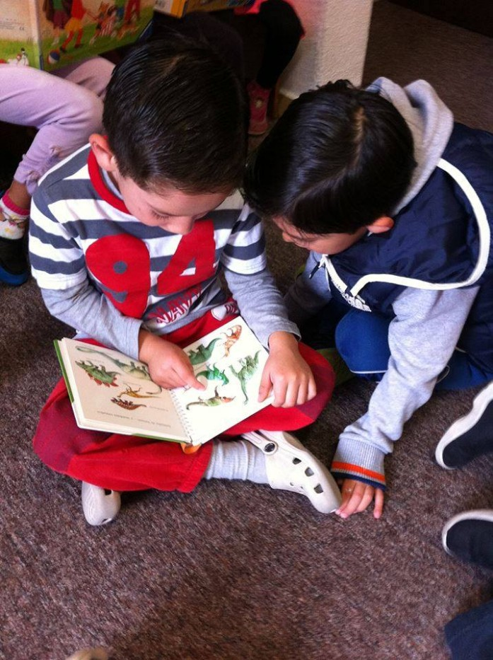 kinderwelt-preescolar-trilingue-san-jeronimo-school-fest-escuela-kinder-jardin-de-ninos-lectura