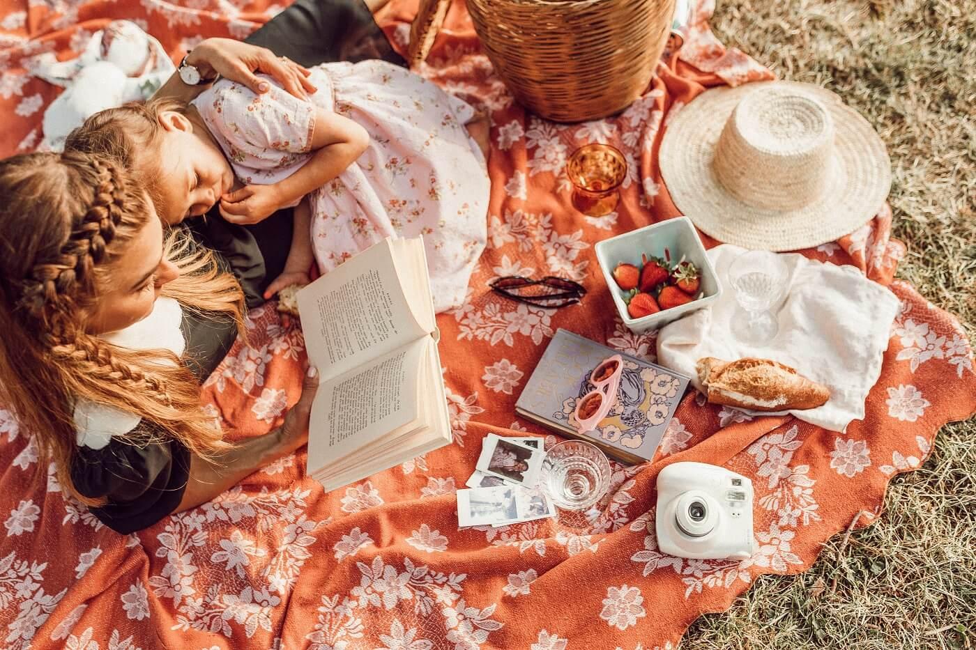 la-magica-sensacion-de-un-libro-fisico-cuentos-para-niños-infantiles-liana-mikah