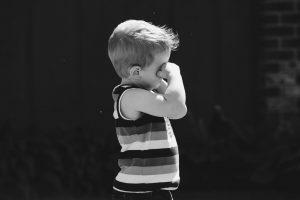 3-claves-para-manejar-las-emociones-de-tus-hijos-momadvisor-autor-capa-educando-con-amor-maria-fernandez-fotografia-kelly-sikkema