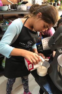 casa-laietana-curso-de-verano-cdmx-ciudad-de-mexico-mini-chefs-cocina-leche