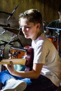 chue-chord-curso-de-verano-canta-canto-san-angel-adolescentes-cdmx-summer-workshop-guitarra
