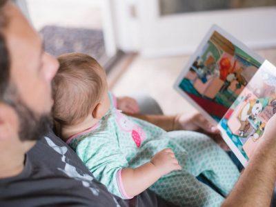 la-magica-sensacion-de-un-libro-fisico-cuentos-para-niños-infantiles-papa-leyendo