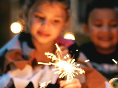 posadas-luces-de-bengala-niños-ninos-posada-navidena-navideña-momadvisor